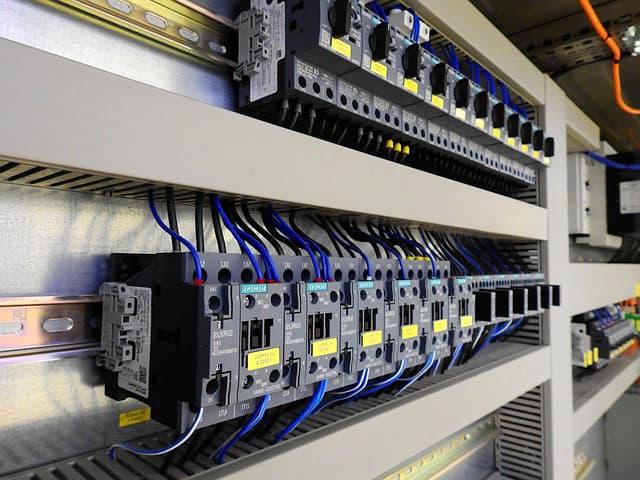 Характеристики электрических автоматических выключателей